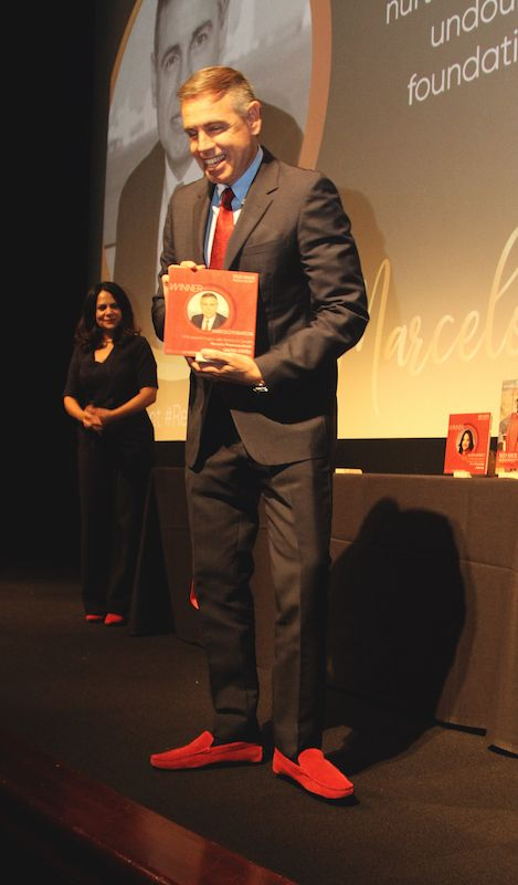 Marcelo Fumasoni, global HR leader, Novartis, receives Red Shoe Leader award