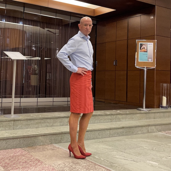 Mark Bryan defying stereotypes with red shoes, celebrating #RedShoeTuesday